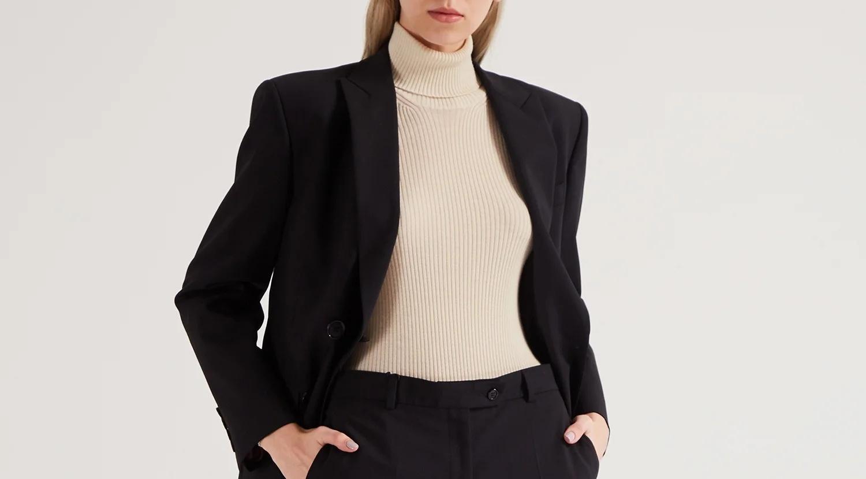 Прячем широкие плечи с помощью одежды - блог Aizel