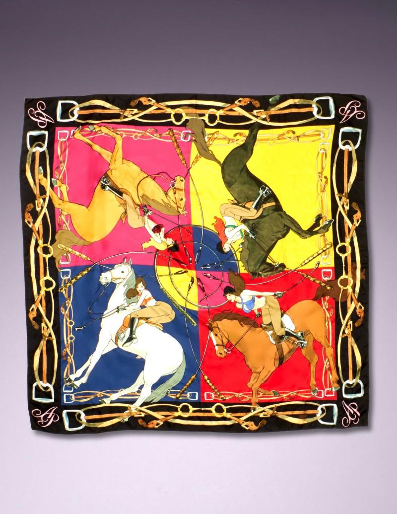 Шелковый шарф CorinthiaШарфы, платки<br>Шелковый шарф Сorinthia - идеальной аксессуар для любого образа, в том числе&amp;nbsp;вашего белья.<br><br>Эта модель с оригинальным принтом в виде наездниц на лошадях в&amp;nbsp;теплых, насыщенных осенних оттенках прекрасно сочетается с бельем из сезонной&amp;nbsp;коллекции.<br><br>&amp;nbsp;<br><br>Возраст: Взрослый<br>Размер: U<br>Цвет: Красный<br>Пол: Женский