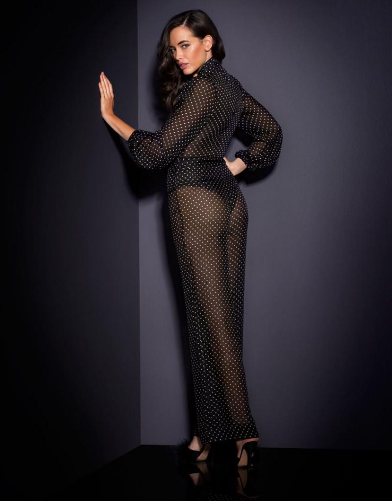 Брюки PennieОдежда<br>Встречайте Pennie - утонченную старлетку, которой всегда достаются главные роли. Абсолютно новая модель, вдохновленная элегантными винтажными образами, размывает границы между бельем и одеждой. Эти сногсшибательные брюки в сочетании с боди Pennie можно носить и как пижаму, и в качестве вечернего образа. Длинные широкие брюки из легкого и прочного шифона с принтом в горошек с высокой талией имеют планку с застежкой на пуговицу, небольшую молнию спереди и декоративные швы по бокам.<br><br>Возраст: Взрослый<br>Размер: S (2 AP);L (4 AP);M (3 AP)<br>Цвет: Черный<br>Пол: Женский