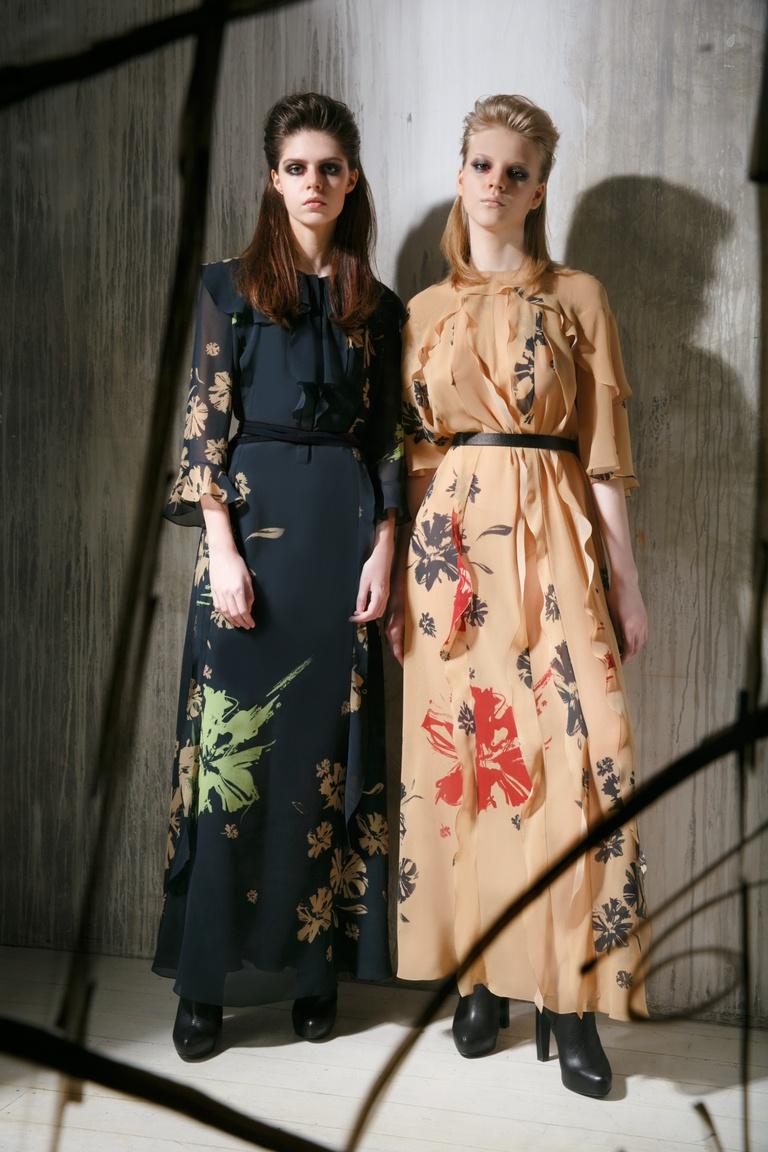 Черное платье-макси с цветами от Chapurin