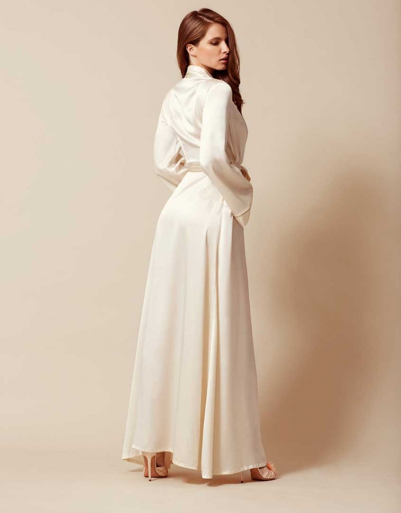 Халат Classic Dressing Gown Long белый 74 100 р.