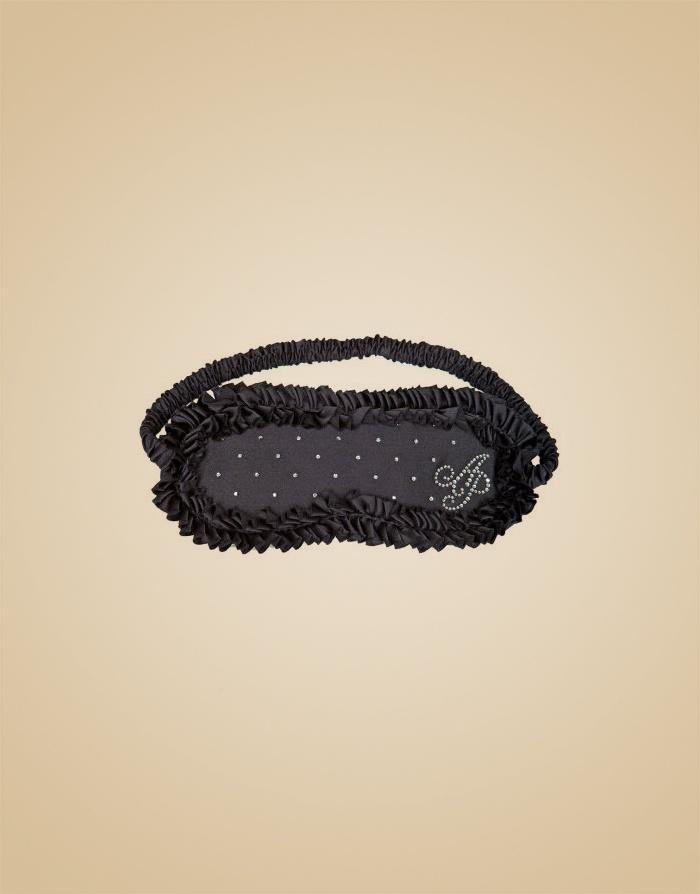 Маска Crystal RuffleАксессуары<br>Роскошная маска из шелка, украшенная кристаллами Swarovski, сделает Ваш будуар еще более пикантным.<br><br>Возраст: Взрослый<br>Размер: U<br>Цвет: Черный<br>Пол: Женский