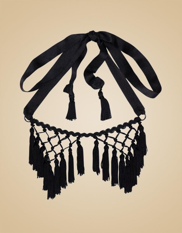 Маска ShannaАксессуары<br>Оригинальная маска с бахромой завязывается сзади гладкой сатиновой лентой. Прекрасно смотрится вместе с накладками и трусиками Shanna.<br><br>Возраст: Взрослый<br>Размер: U<br>Цвет: Черный