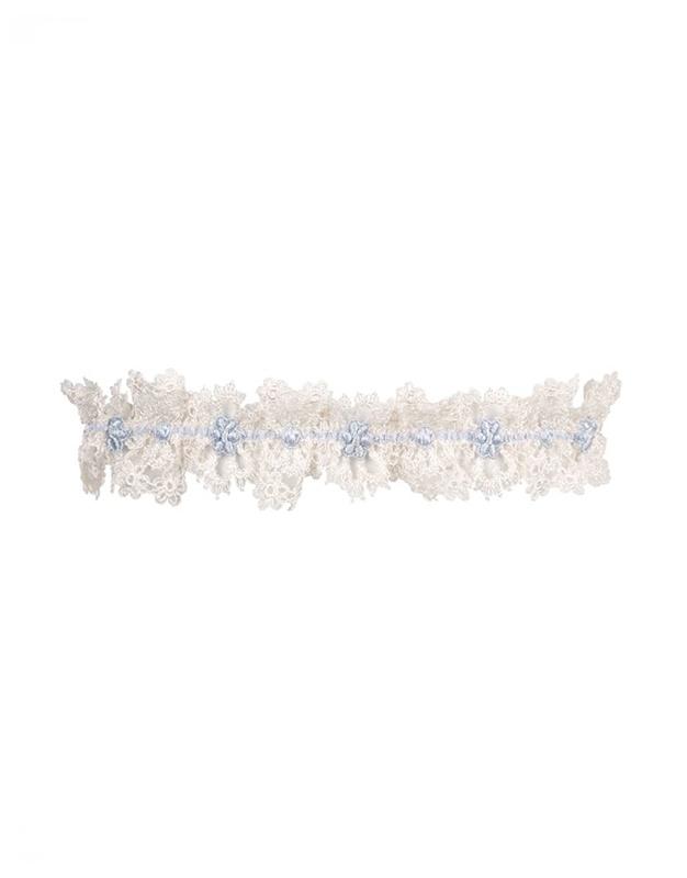 Подвязка CeliiaНебольшие подарки<br>Celiia &amp;ndash; новая очаровательная подвязка, которая идеально подойдет и к белому, и к голубому белью: нежнейшее кружево цвета слоновой кости на тонкой эластичной голубой ленточке. Прекрасный вариант для свадебного подарка.<br><br>Возраст: Взрослый<br>Размер: UN<br>Цвет: Голубой