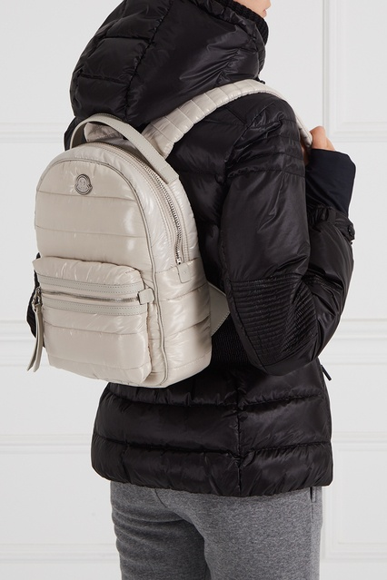 dbb0f1d506c9 ... Стеганый рюкзак бежевый New Georgette Moncler - Moncler, Женское,  Женское Moncler, вид 3 ...
