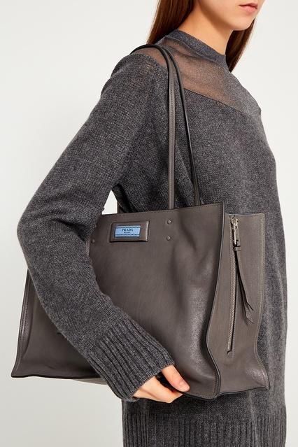 f0bfa8d3592f ... Серая кожаная сумка Etiquette Prada - Prada, Женское, Женское Prada,  вид 3 ...