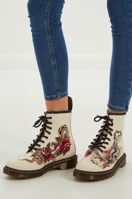 Белые ботинки с принтом DR.Martens – купить в интернет-магазине в Москве d1e3d10259e3f