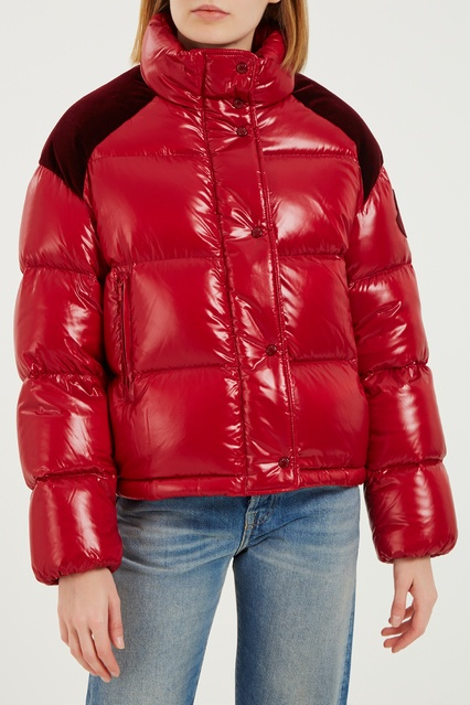 65fae1b8896 Красная стеганая куртка с велюровыми вставками Moncler – купить в ...
