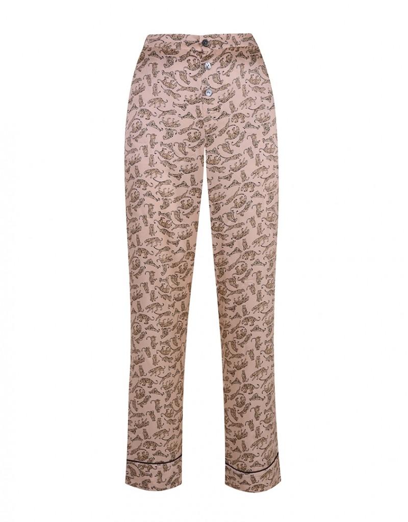 Брюки пижамы CatalynaПижамы<br>Ваш вечерний образ еще никогда не был таким хищным, как с Catalyna. Эксклюзивная новая пижама из пудрово-розового сатина украшена винтажным принтом с леопардами. Прямые брюки с черной оторочкой дополнены карманами и тремя жемчужными пуговицами спереди.<br><br>Возраст: Взрослый<br>Размер unitSize=: M (3 AP)<br>Цвет: бежевый<br>Пол: Женское<br>Материал: 100% шёлк