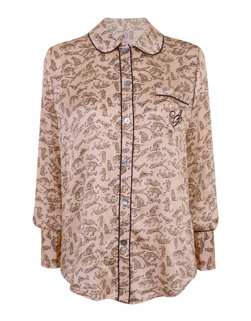 Топ пижамы CatalynaПижамы<br>Ваш вечерний образ еще никогда не был таким хищным, как с Catalyna. Эксклюзивная новая пижама из пудрово-розового сатина украшена винтажным принтом с леопардами. Пижамный топ выполнен в классическом рубашечном стиле и украшен пуговицами, черным кантом и вышитым логотип AP на нагрудном кармане.<br><br>Возраст: Взрослый<br>Размер unitSize=: S (2 AP)<br>Цвет: бежевый<br>Пол: Женское<br>Материал: 100% шёлк
