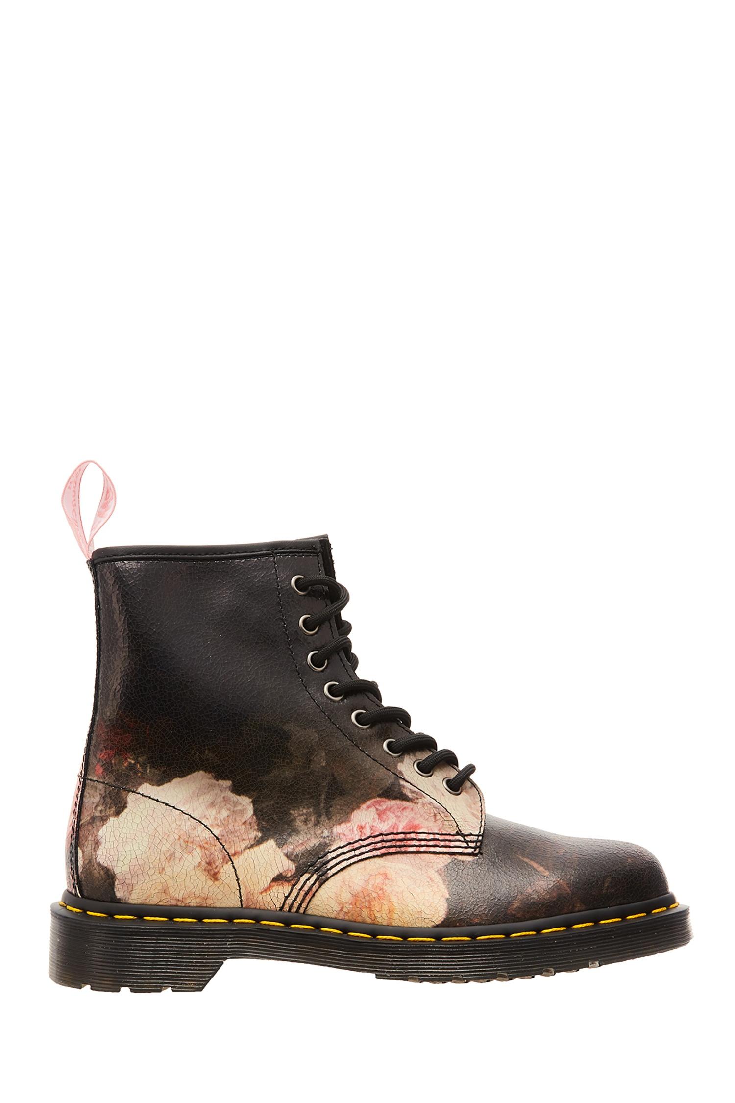 Черные ботинки с цветочным принтом DR.Martens – купить в интернет ... 77b0e7638d715
