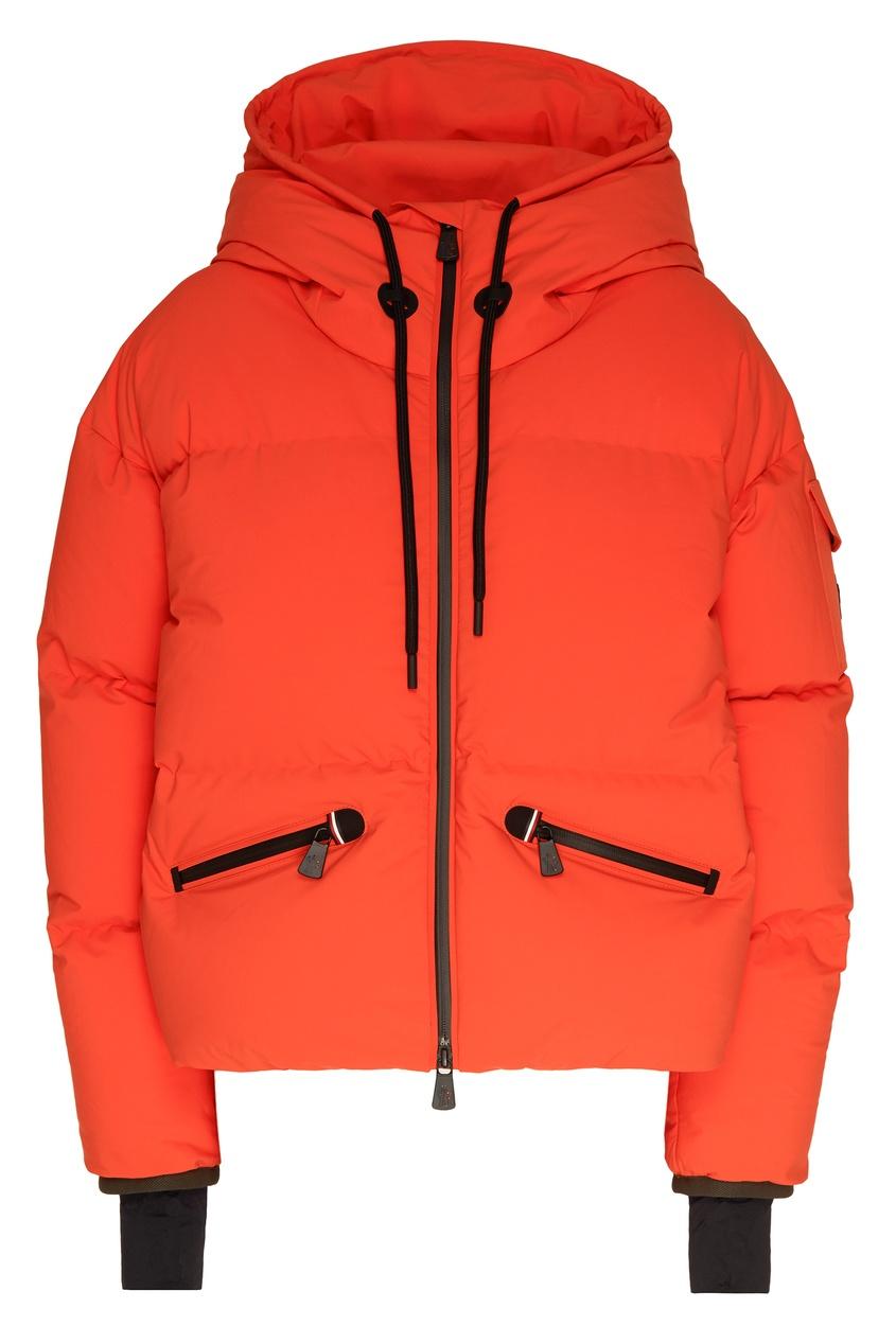 Оранжевая куртка с капюшоном от Moncler