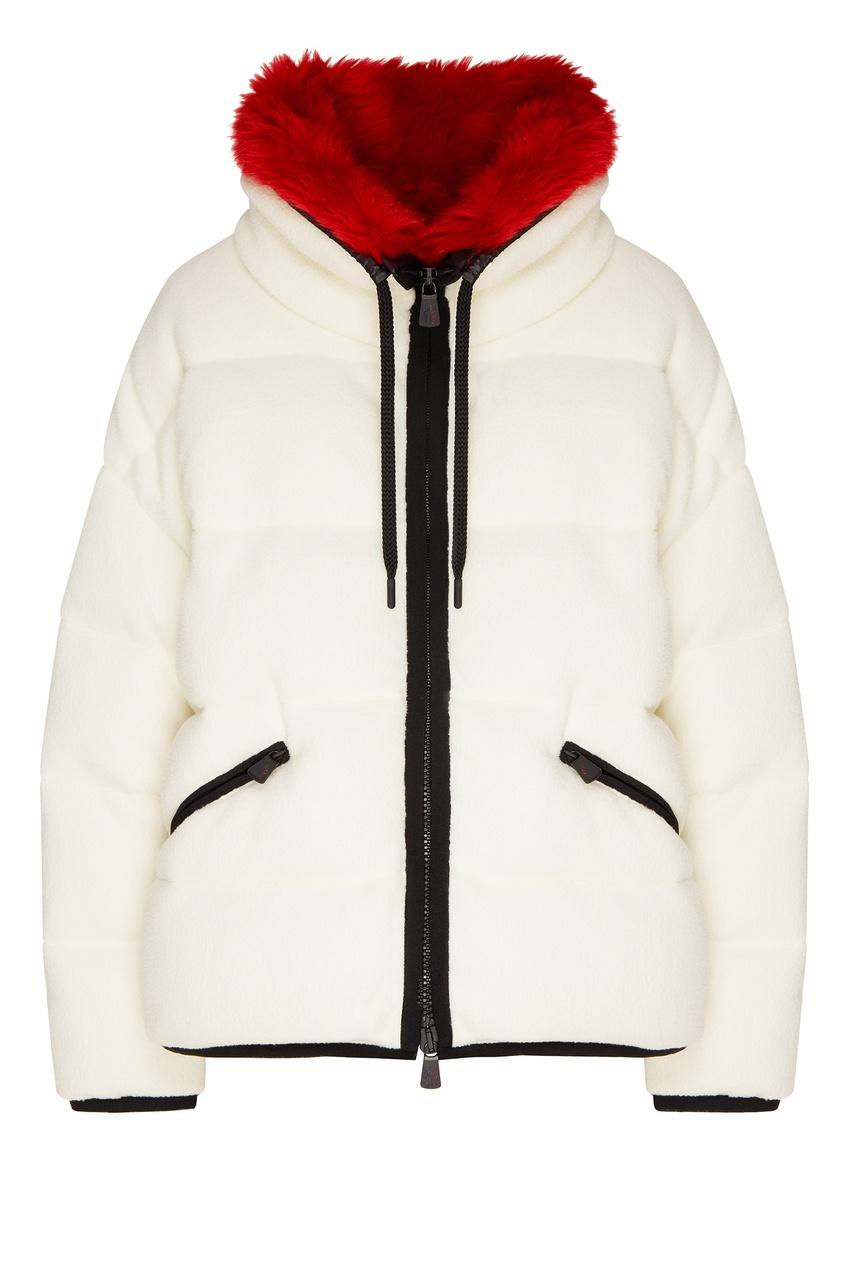 Белая куртка с красным воротником от Moncler