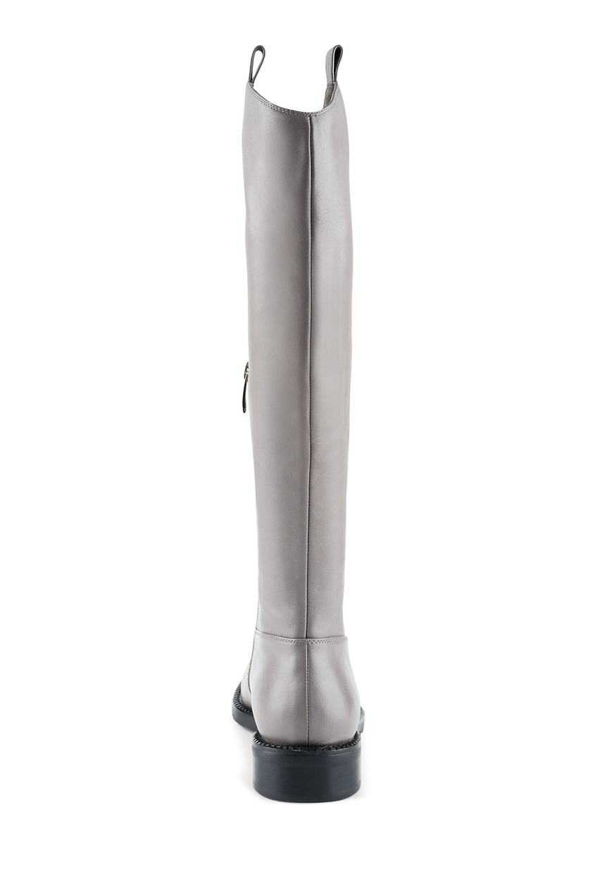 Фото 4 - Серые кожаные сапоги с металлическим декором от Portal серого цвета