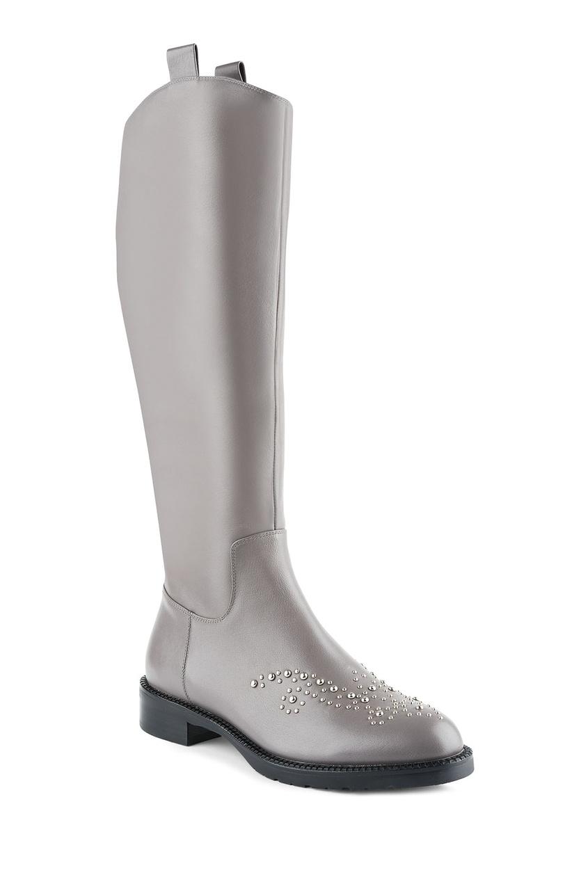 Фото 6 - Серые кожаные сапоги с металлическим декором от Portal серого цвета
