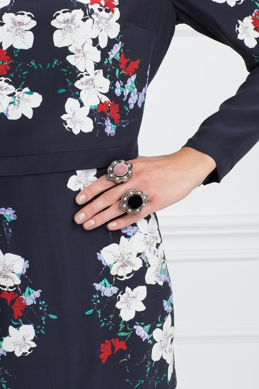 Кольцо с жемчугом и бархатом