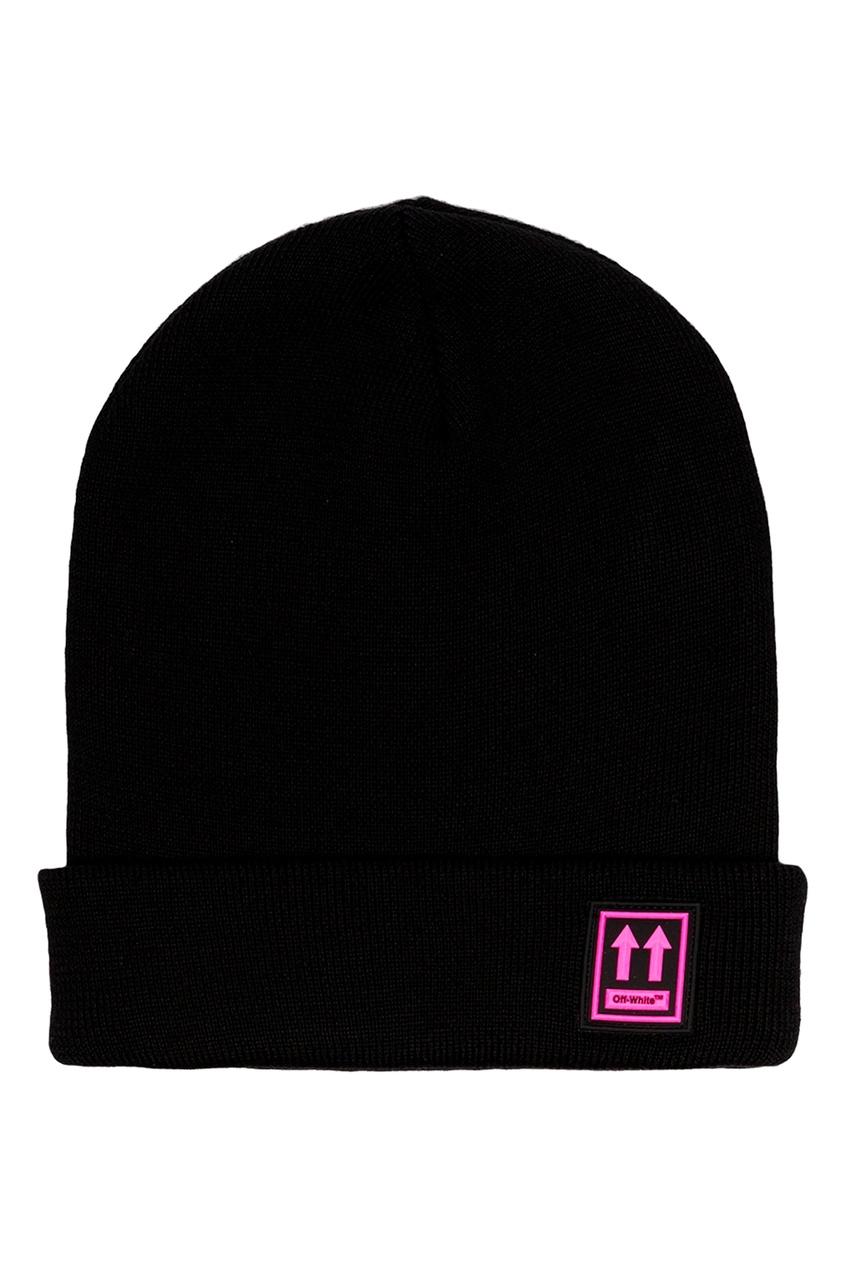 Черная шапка с логотипом