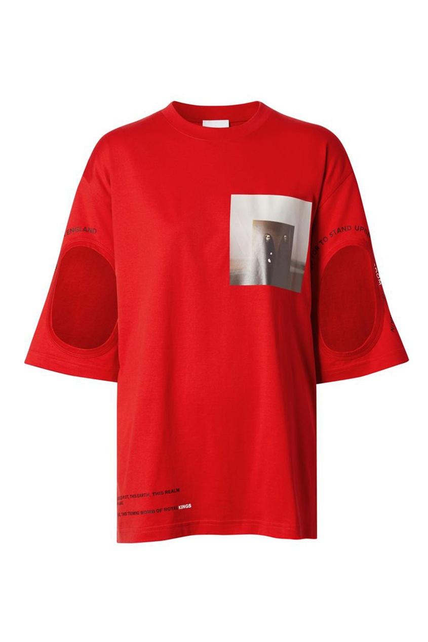 Красная футболка с вырезами на рукавах от Burberry