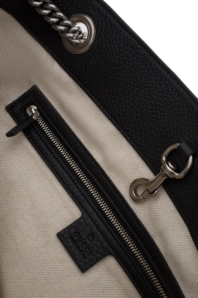 Фото 4 - Кожаная сумка Soho черная от Gucci черного цвета
