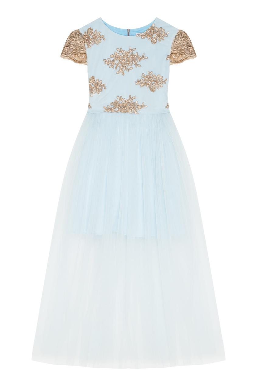 Голубое платье с золотистой вышивкой