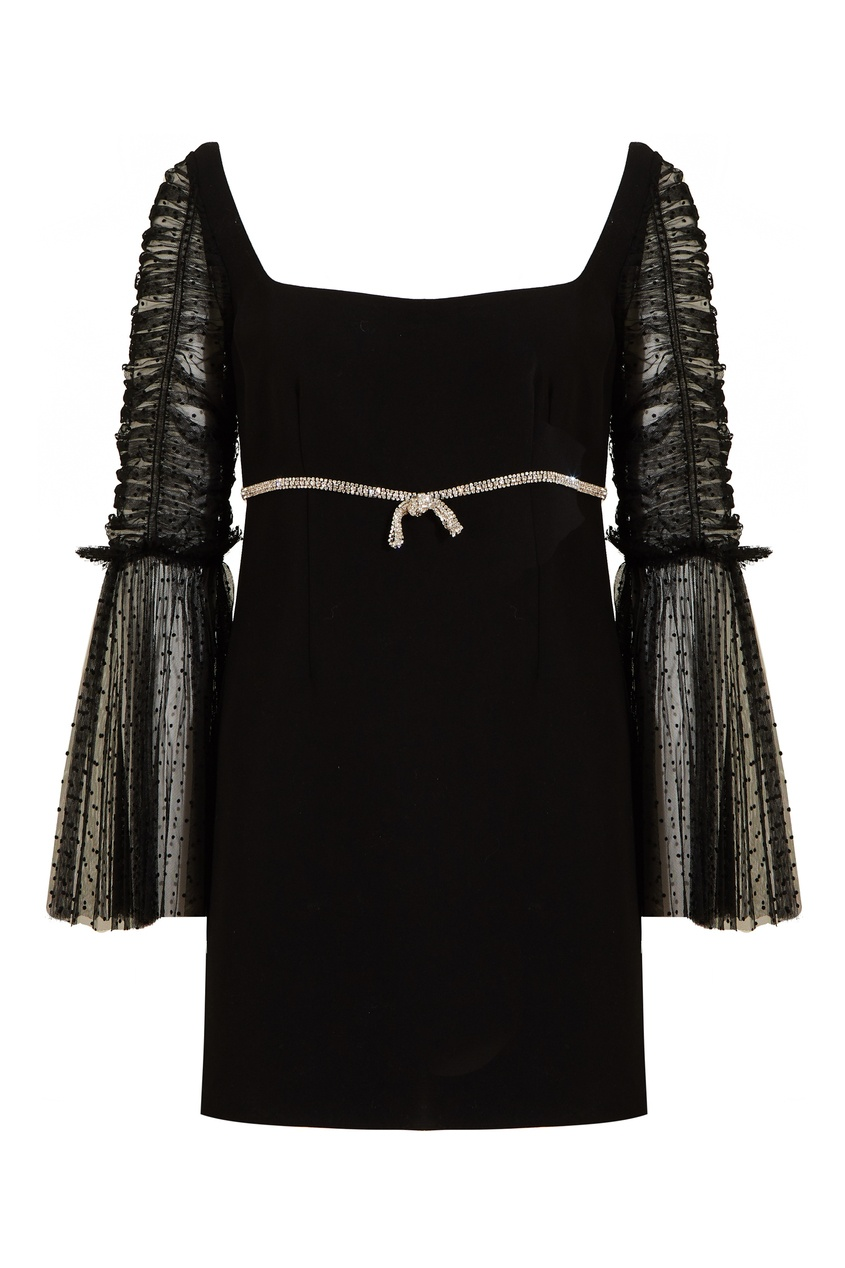 Черное платье с отделкой кристаллами