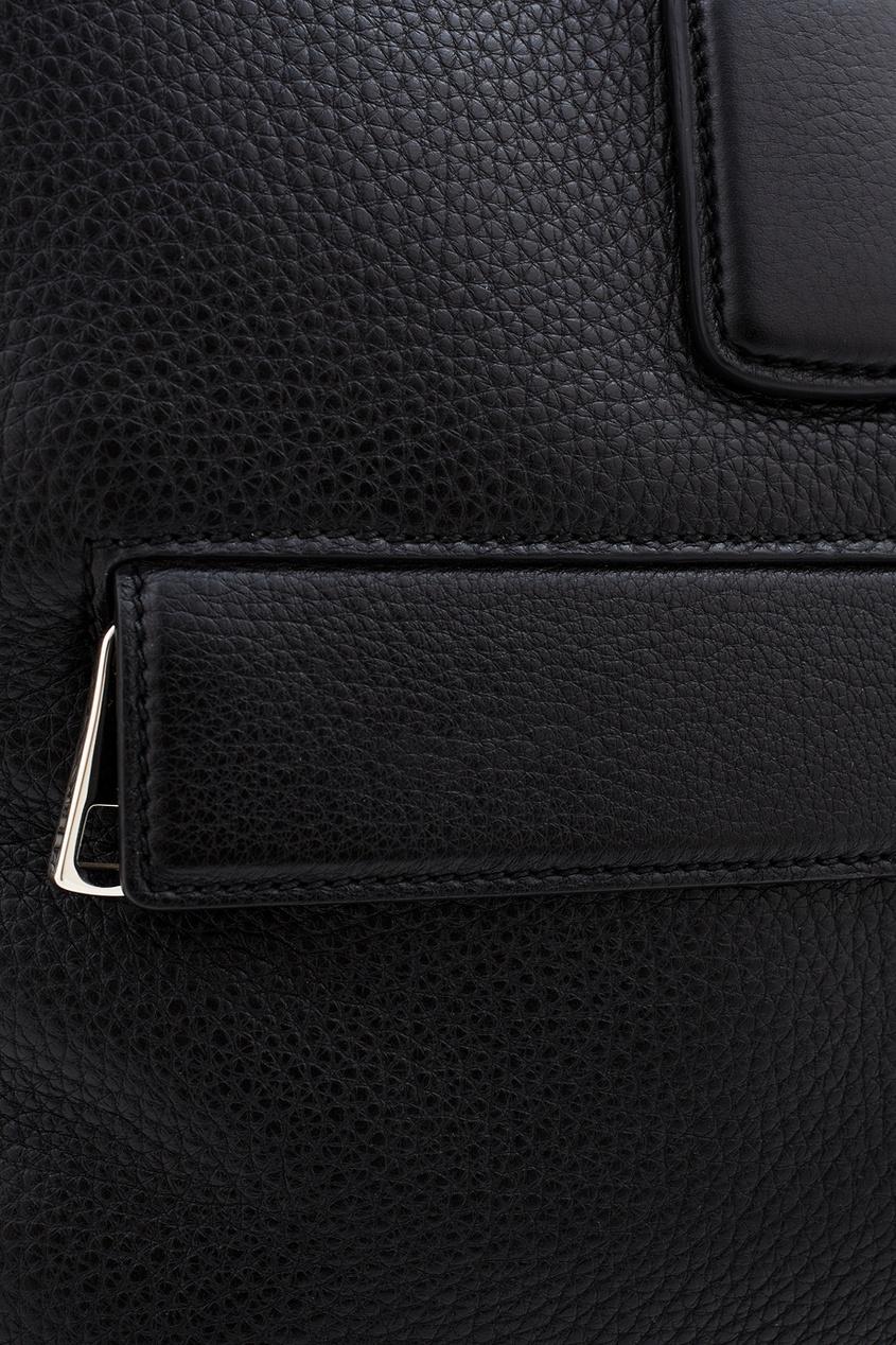 Фото 3 - Кожаная сумка от Gucci черного цвета