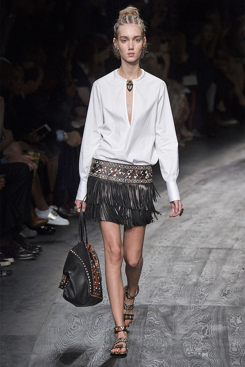 Кожаная юбка-мини с кабошонами