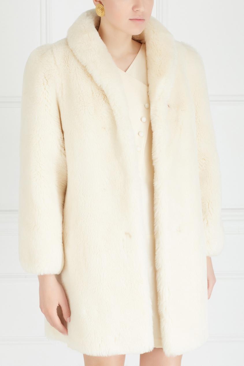 Фото 3 - Меховое пальто (80е) от Vintage No Names белого цвета