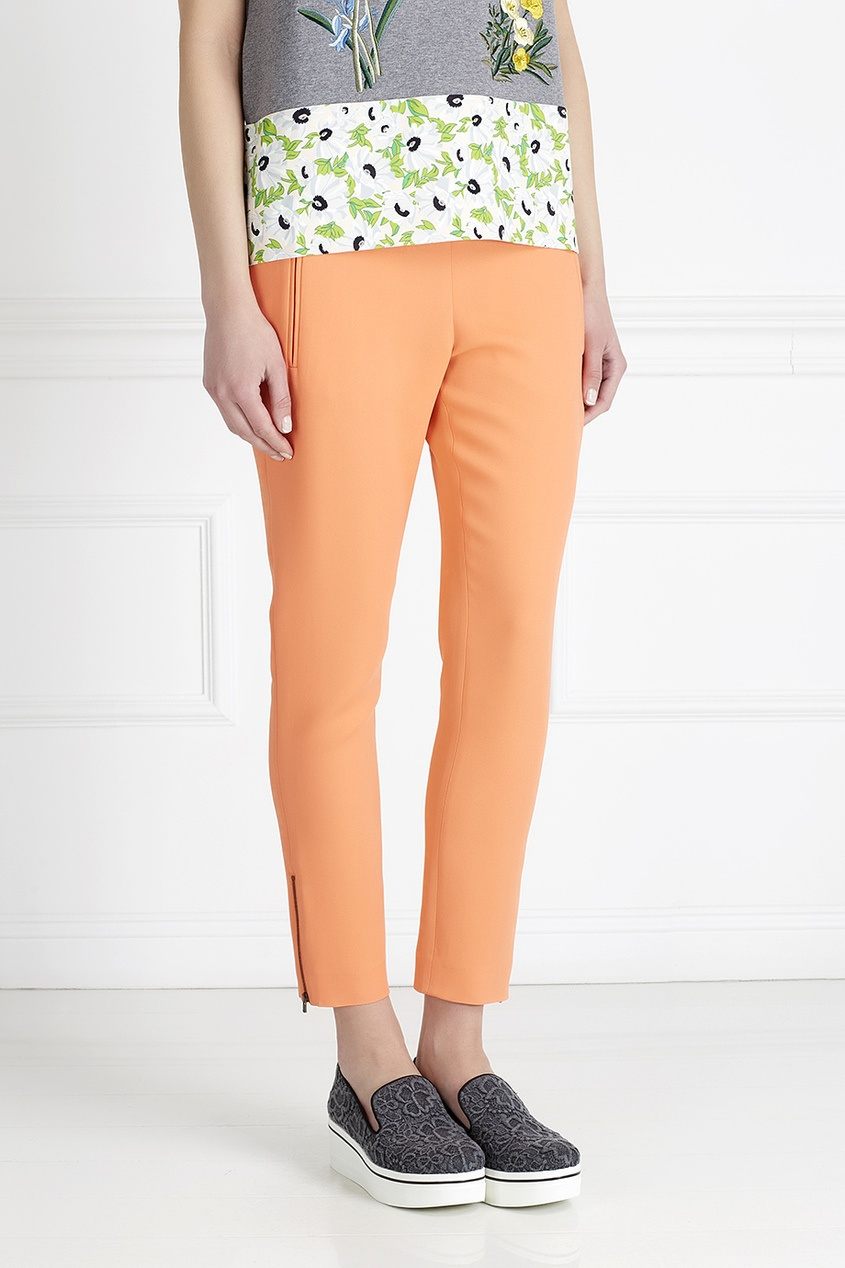 Фото 5 - Однотонные брюки от Stella McCartney оранжевого цвета