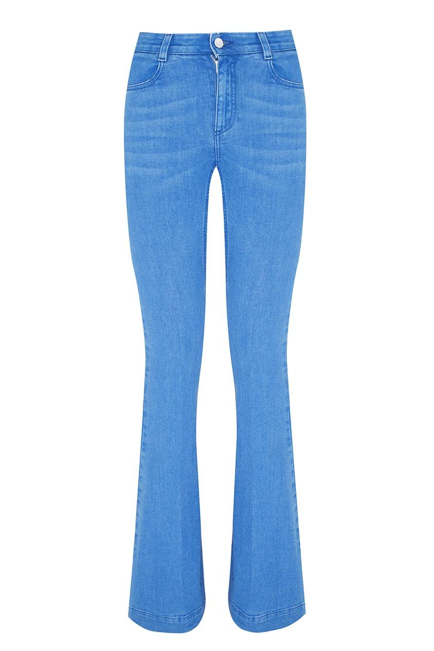 Фото 5 - Джинсы от Stella McCartney голубого цвета