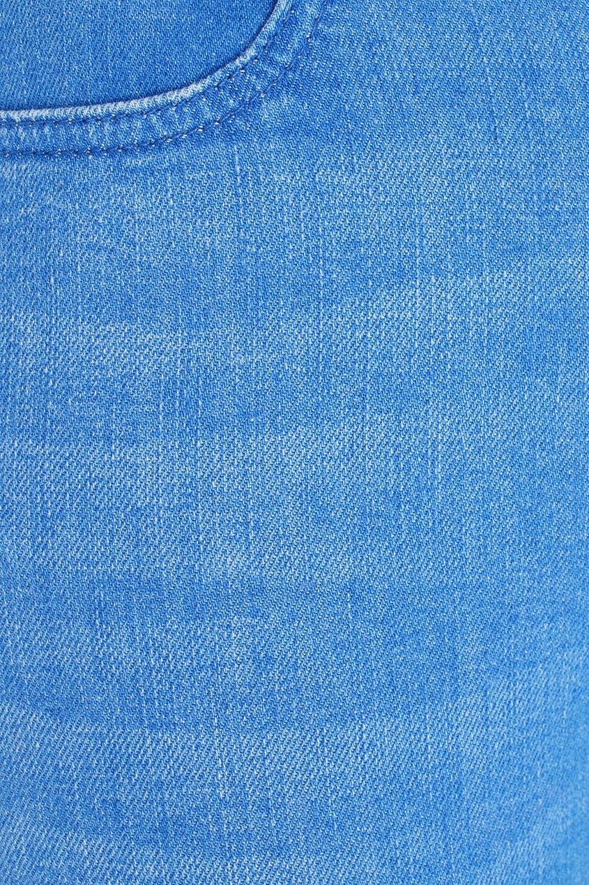 Фото 6 - Джинсы от Stella McCartney голубого цвета