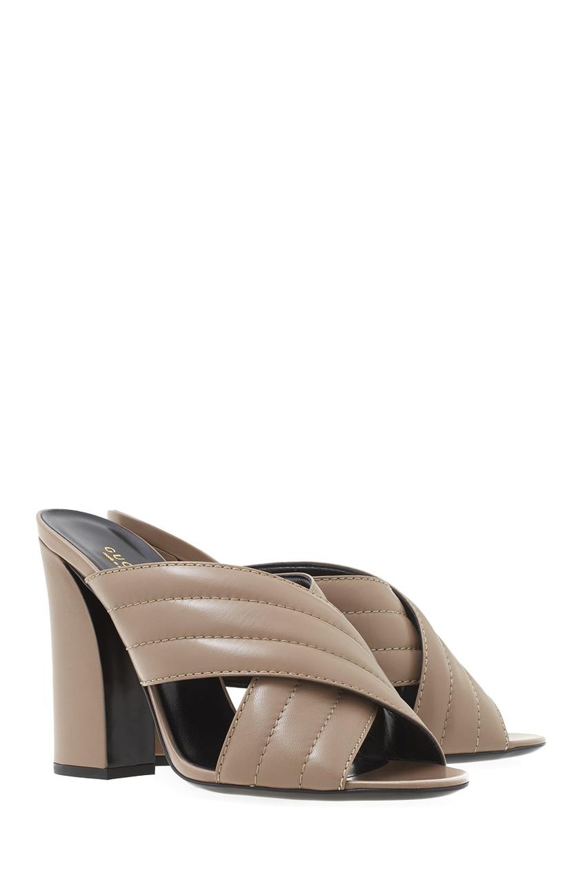 Фото 3 - Кожаные туфли-мюли от Gucci бежевого цвета