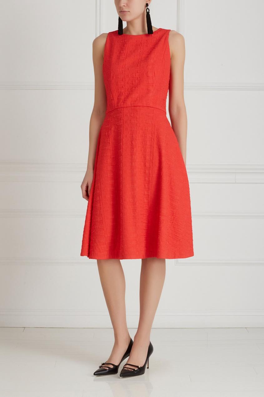 Фото 3 - Однотонное платье от Chapurin красного цвета