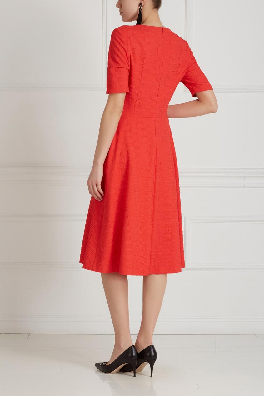 Фото 4 - Однотонное платье от Chapurin красного цвета