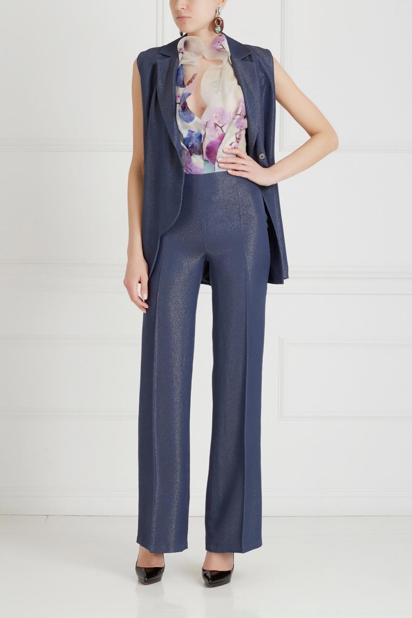 Фото 3 - Однотонные брюки от Chapurin синего цвета