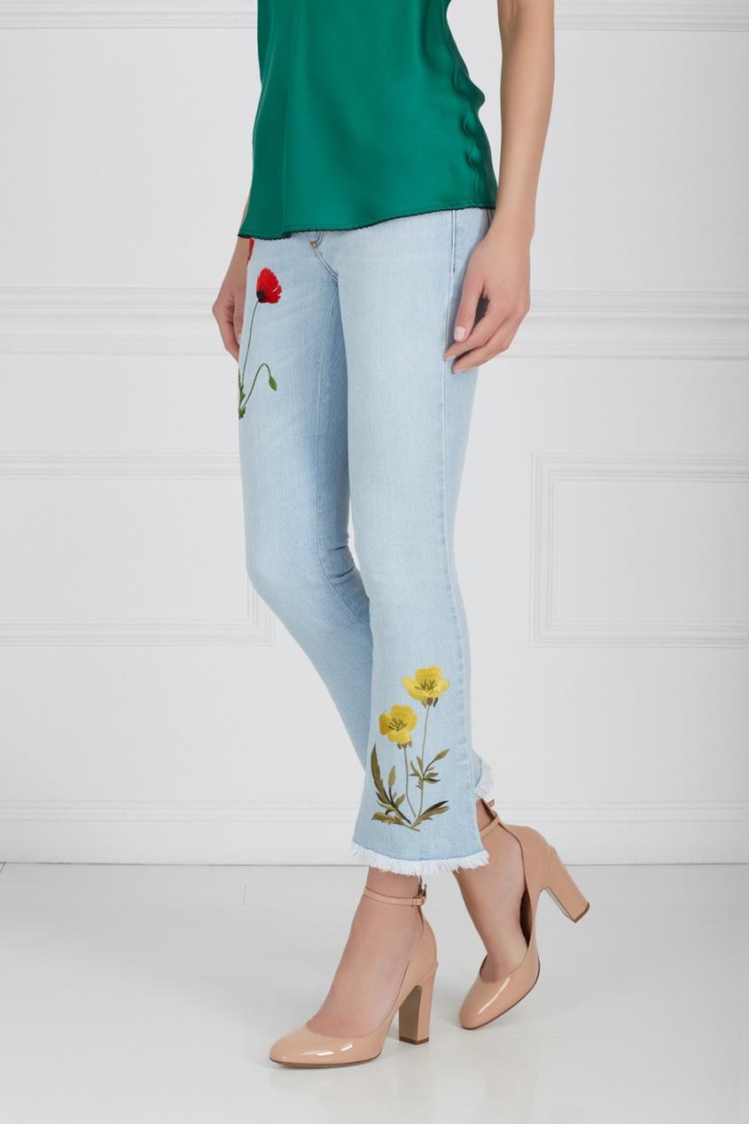Фото 3 - Джинсы с вышивкой от Stella McCartney голубого цвета