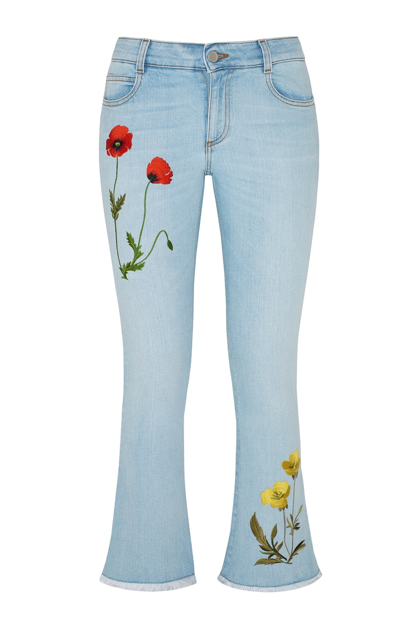 Фото 5 - Джинсы с вышивкой от Stella McCartney голубого цвета