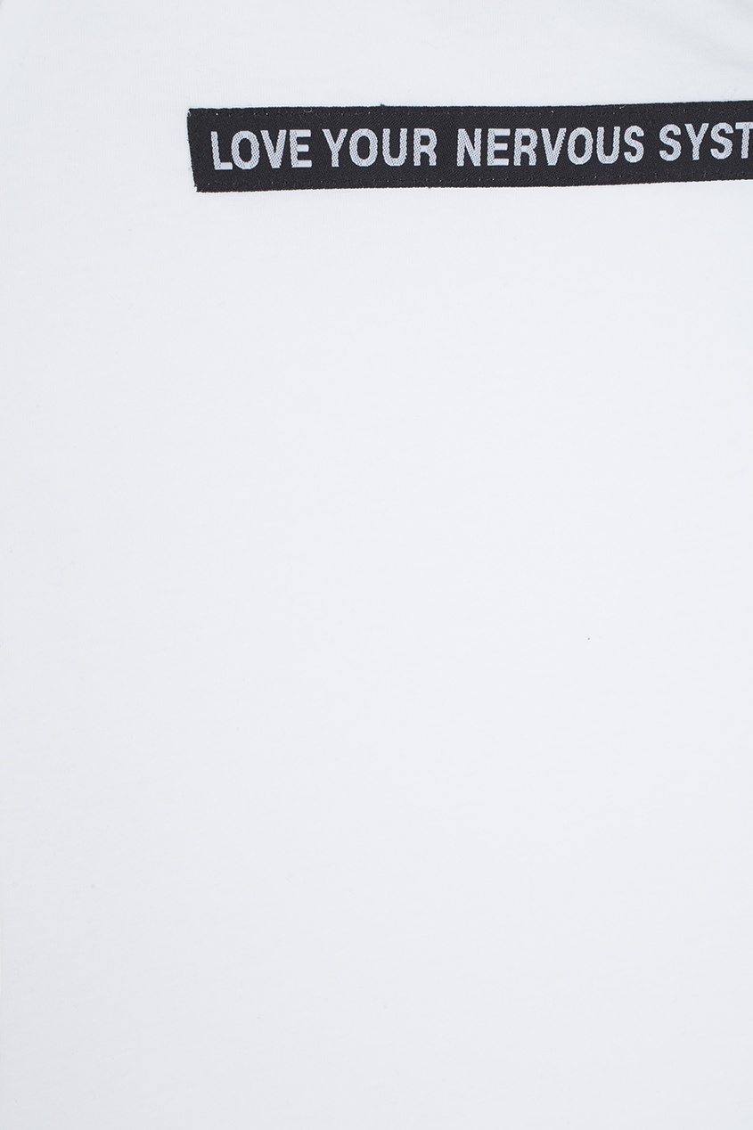 Фото 6 - Топ с нашивкой L.Y.N.S. Top от ZDDZ белого цвета