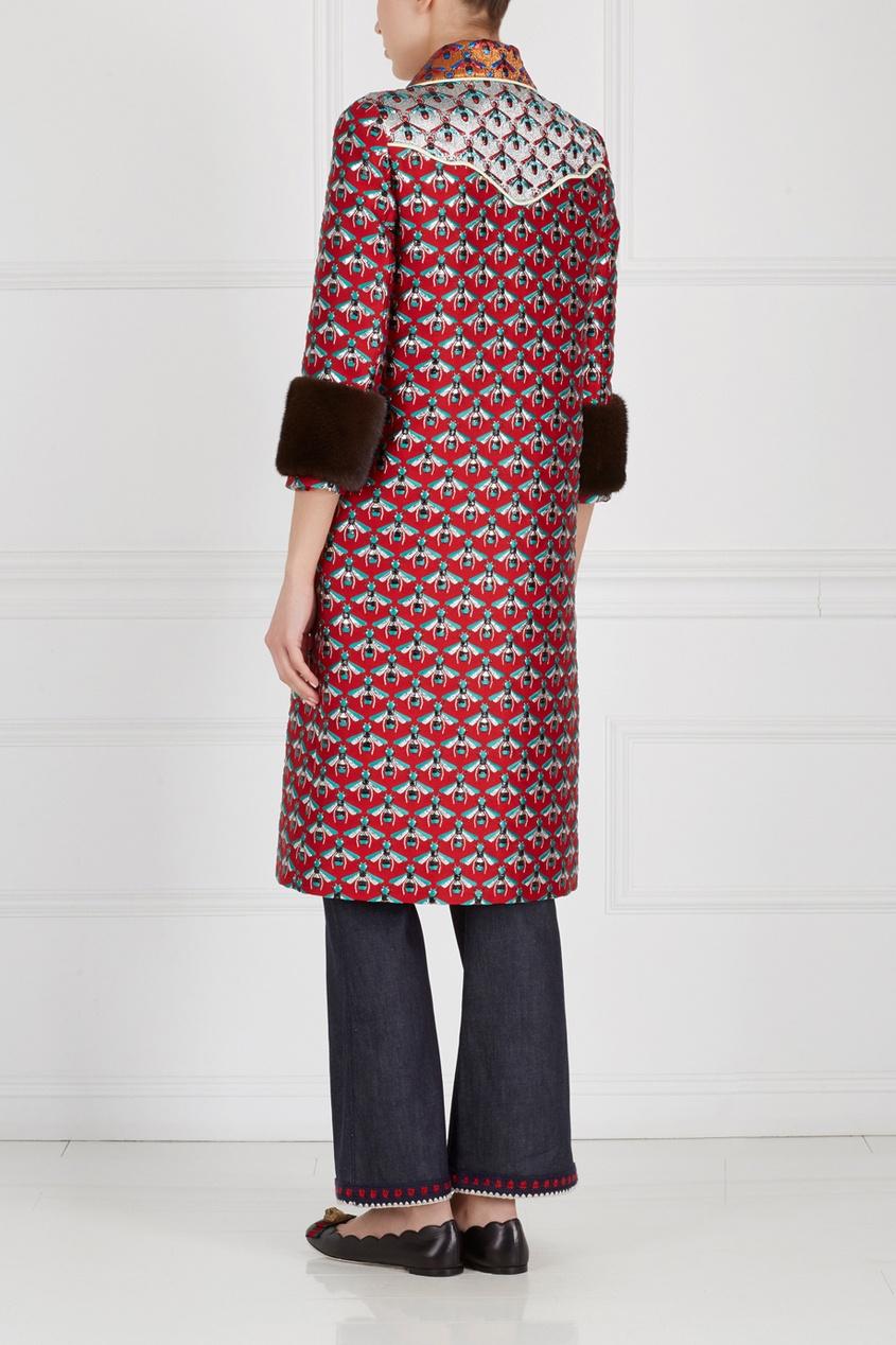 Фото 5 - Пальто с вышивкой от Gucci цвет multicolor