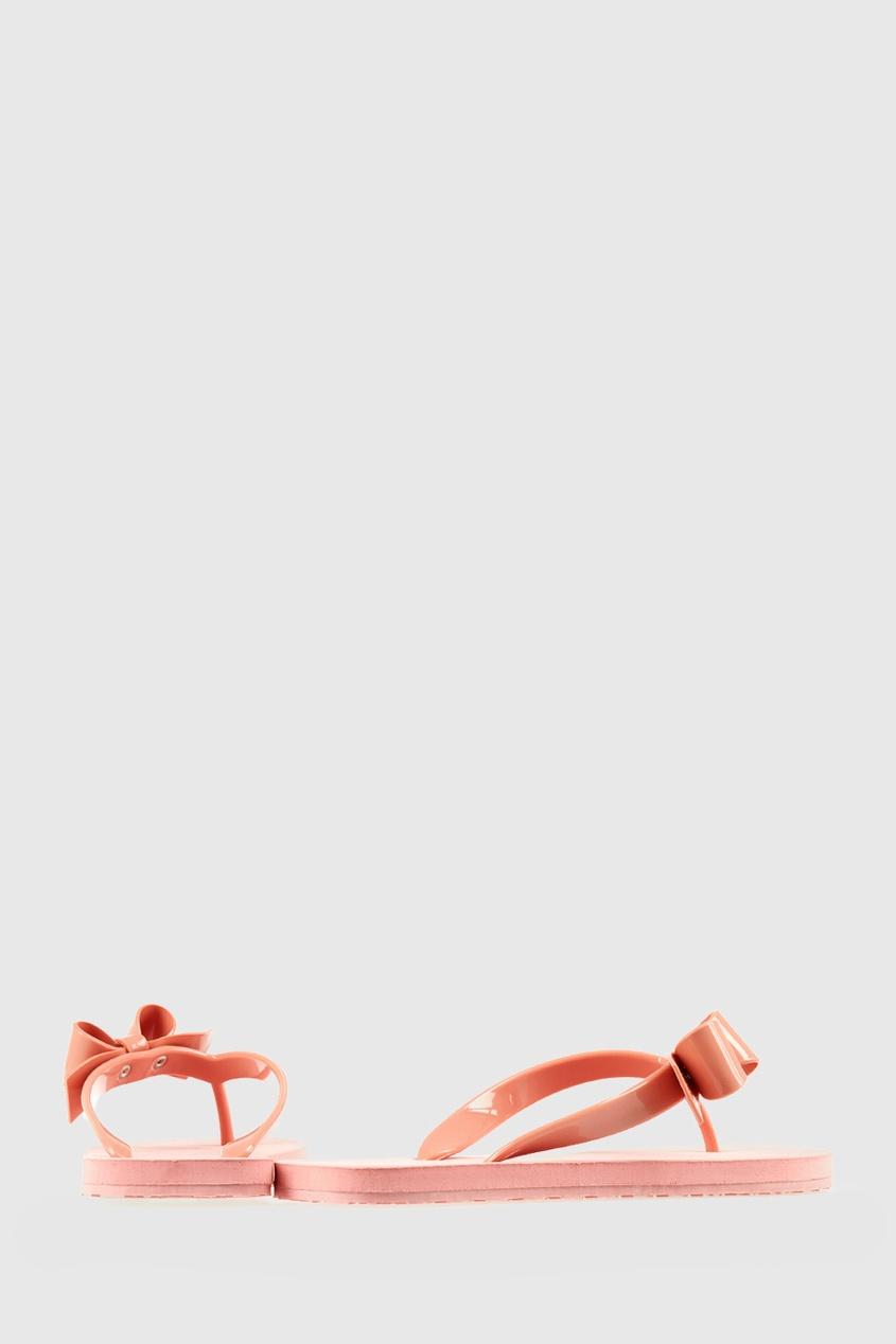 Однотонные сандалии