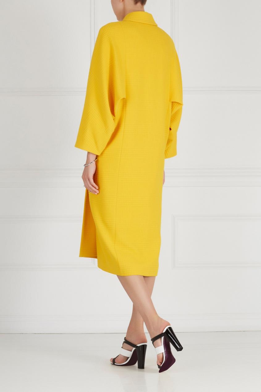 Фото 2 - Однотонное пальто от Chapurin желтого цвета