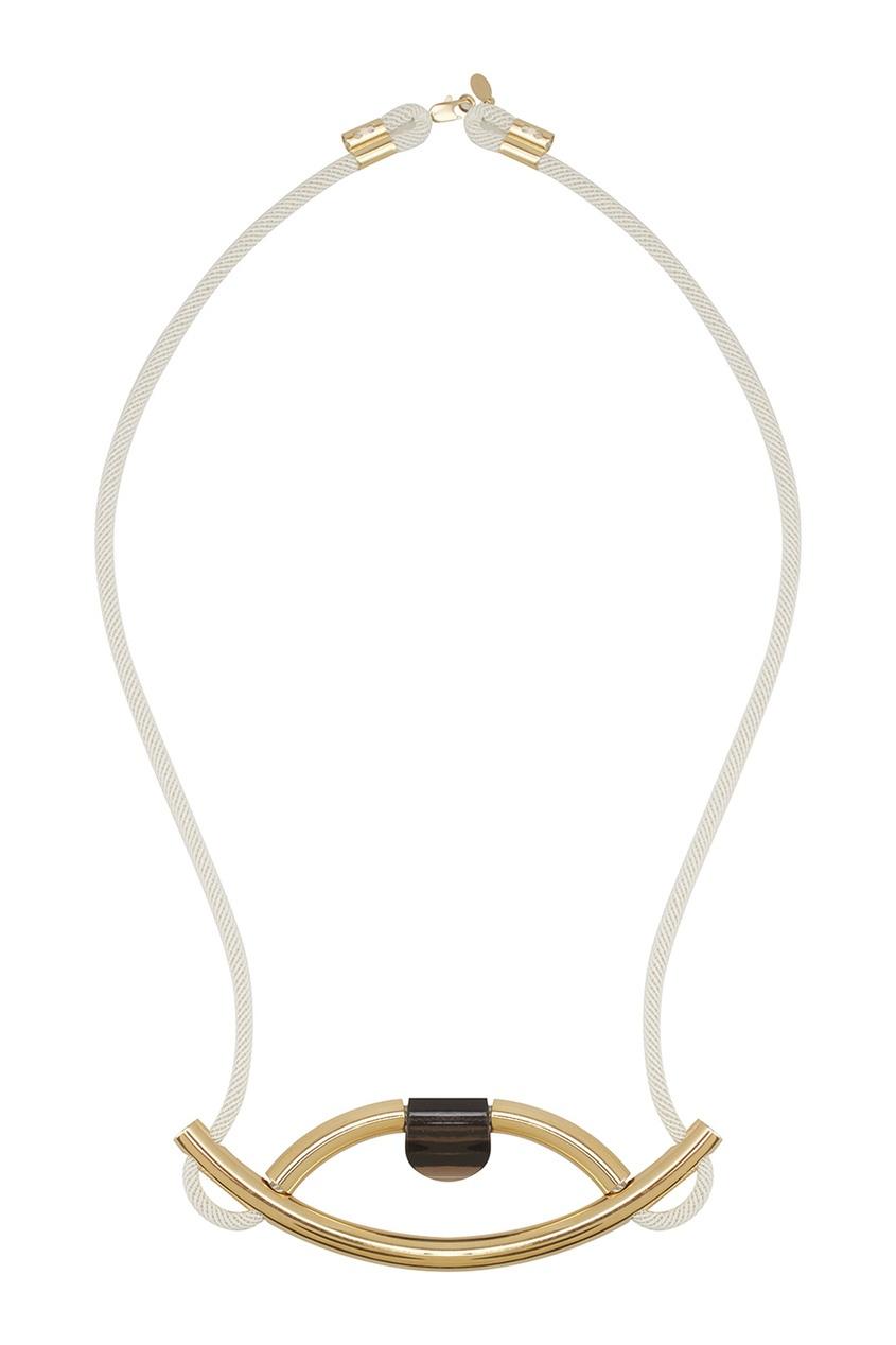 Фото 2 - Колье Nile из латуни с позолотой от Marion Vidal белого цвета