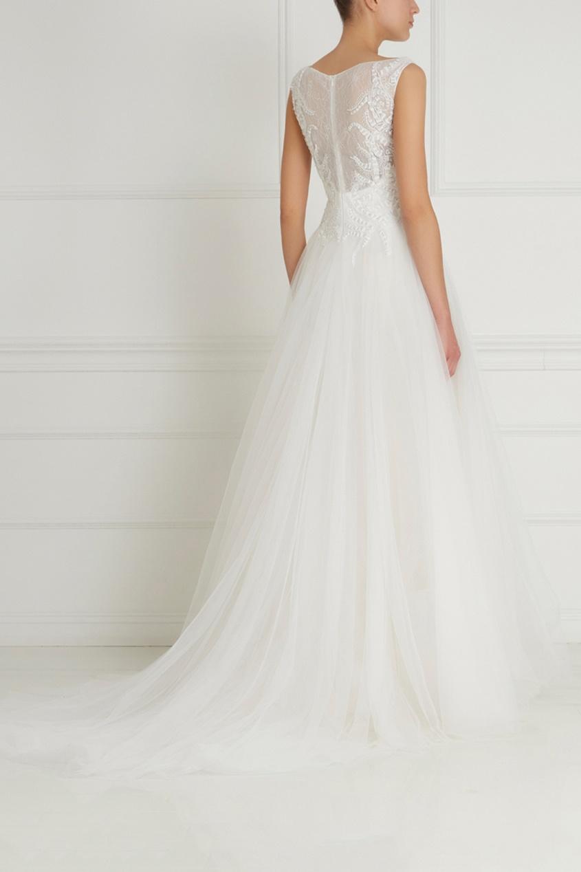 Фото 2 - Платье с вышивкой от Tony Ward белого цвета