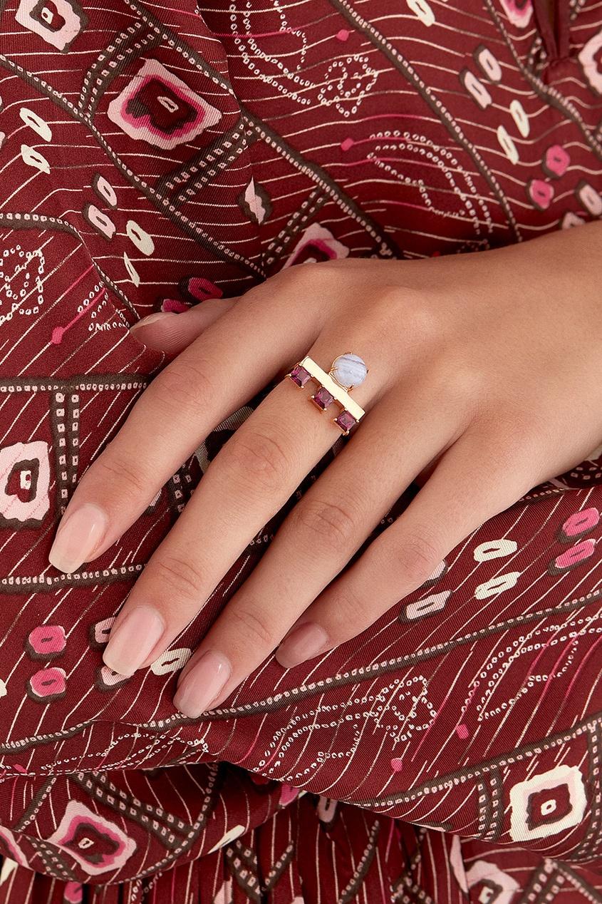 Позолоченное кольцо с агатом и родолитами