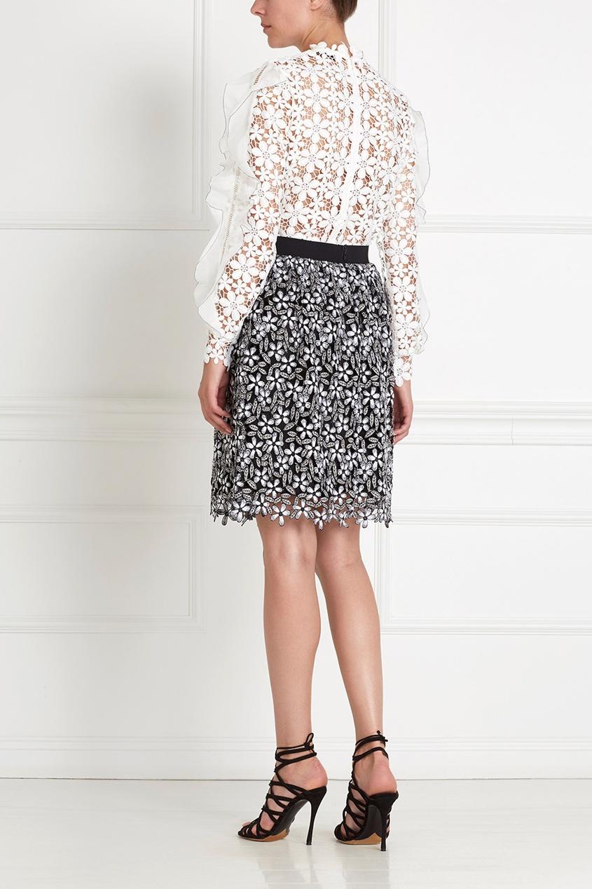Фото 4 - Кружевная юбка черно-белого цвета
