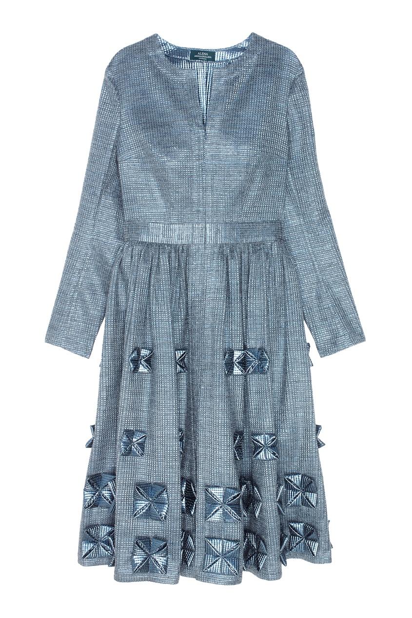 Фото - Платье с объемным декором от Alena Akhmadullina серого цвета
