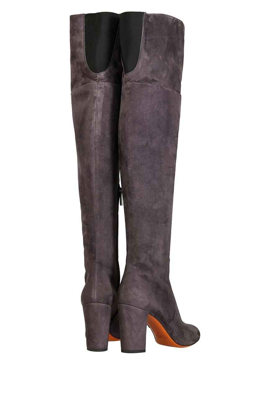 Фото 4 - Замшевые ботфорты от Santoni серого цвета