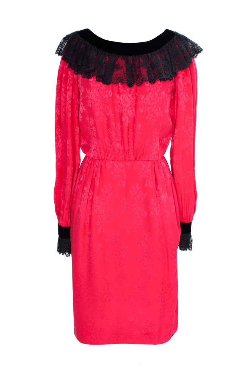 Платье с кружевным воротником и манжетами (70-е гг.)