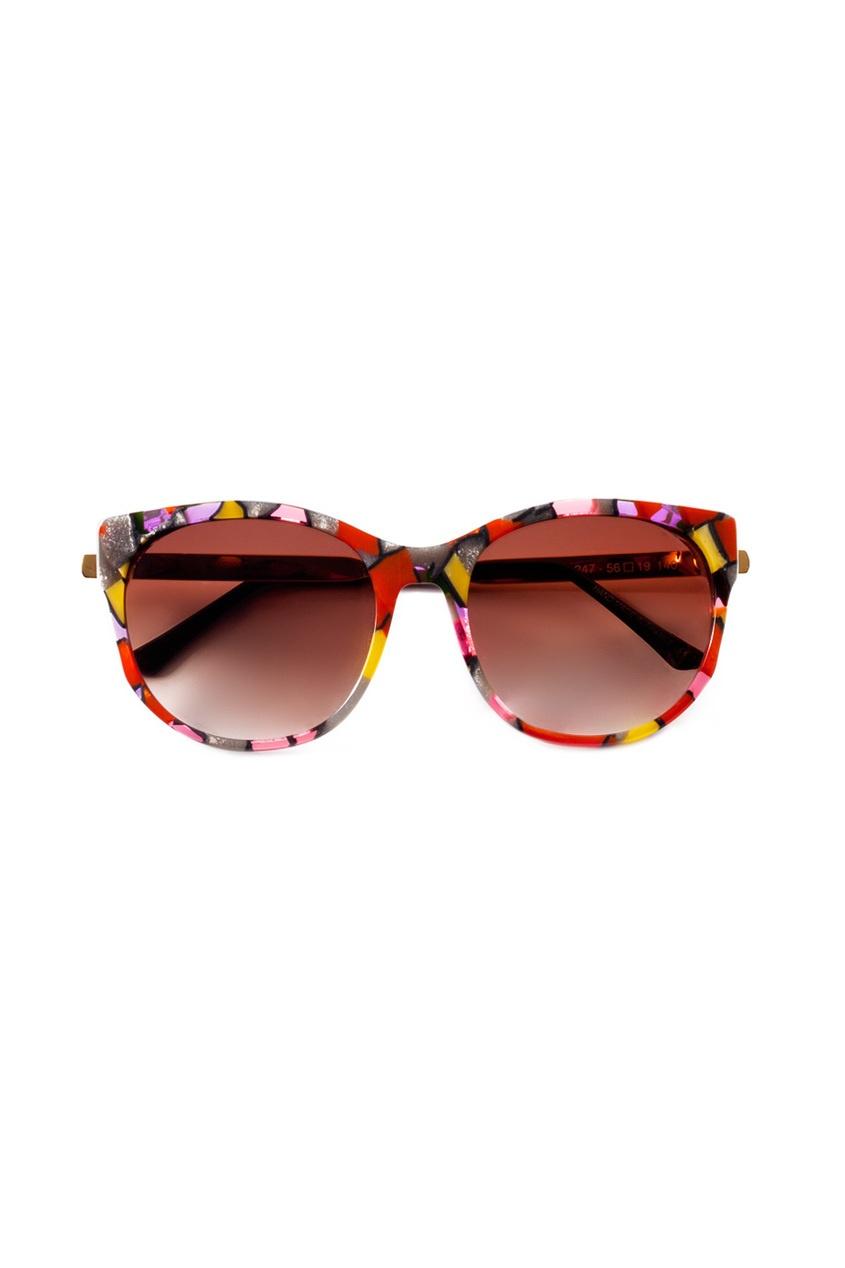 Солнцезащитные очки с разноцветной оправой