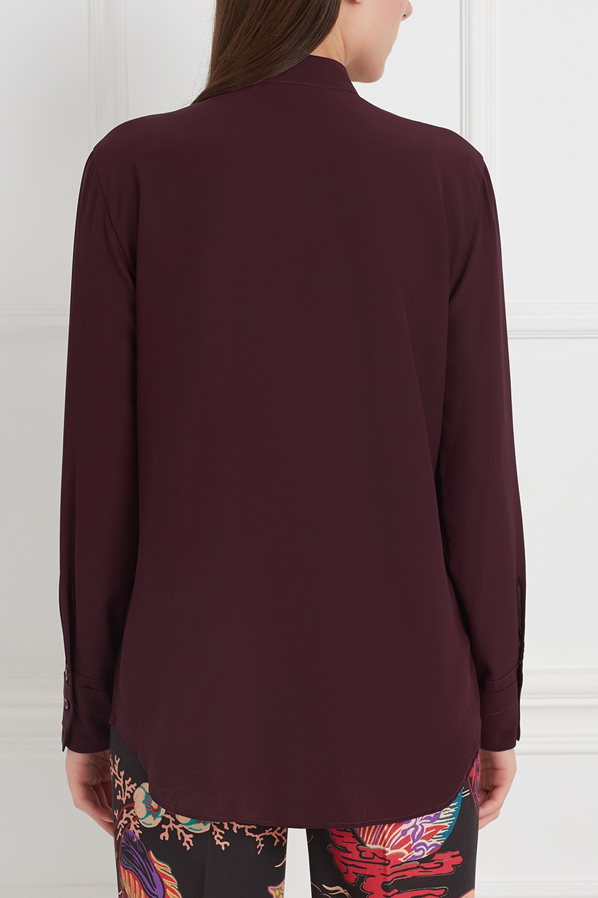 Шелковая блузка с вышивкой